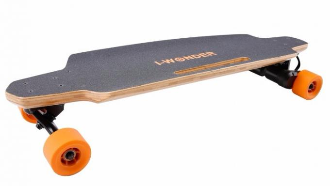 Dual Motor Electric Skateboard 9 Layers Maple Deck Material With 83*52mm PU Wheel